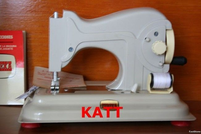 Máquina de coser de Eureka, uno de mis juguetes favoritos (la foto no es mía)