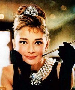 Audrey Hepburn: desayuno con diamantes