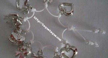 Set de abalorios de Hello Kitty (II): pulseras blancas