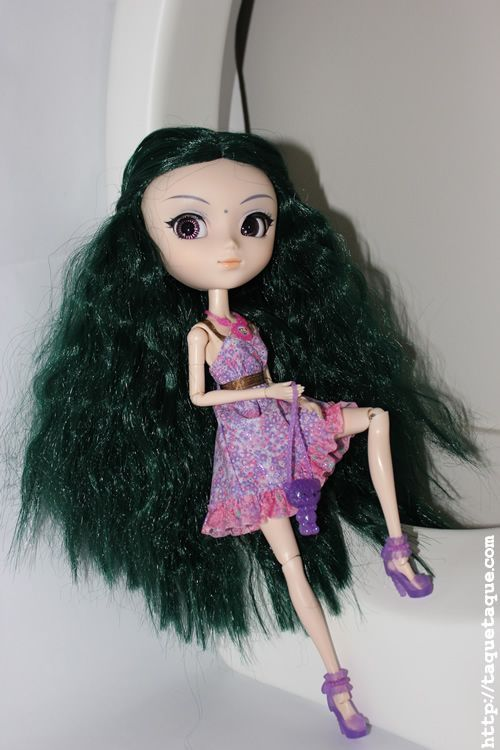 Pullip Saras con el vestido de Artsy (Barbie Fashionista Swappin Styles) y los complementos de Cutie Hollywood Divas (Barbie Fashionista Swappin Styles)