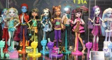 """¿Cuántos personajes de la saga """"Monster High"""" de Lisi Harrison ha convertido Mattel en muñecos/as -hasta ahora-? (3)"""