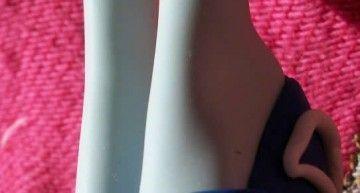 Reto Noviembre – Zapatos MH (1): sandalias para Frankie by Trici Monk, hechas con Jumping Clay. Chulísimas!!!