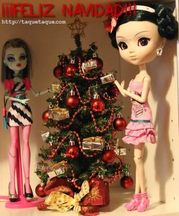 Feliz Navidad 2011, con mi primera Monster High (la Frankie de la colección Dawn of the Dance) y mi Pullip Saras