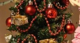 Este árbol de Navidad tiene más de 20 años!!! Con el lifting que acabo de hacerle, parece nuevo!!!