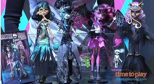 """la colección estrella de 2012: """"Ghouls Rule!"""" (Frankie, Draculaura, Clawdeen y Cleo)"""