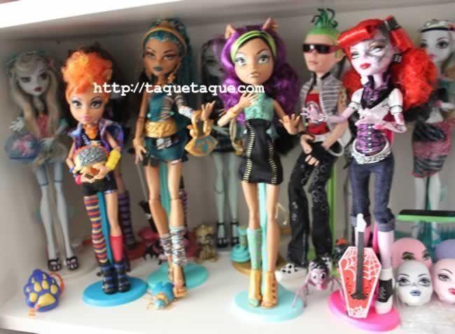 Parte de mi colección Monster High: Howleen, Lagoona y Neptuna, Draculaura y Count Fabulous, Frankie Stein y Watzit, Nefera de Nile y Azura, Clawdeen Wolf, Operetta y Memphis
