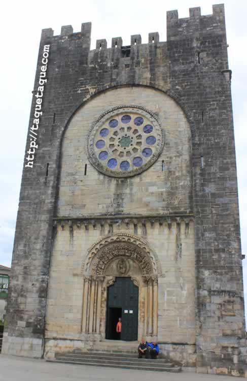 fachada principal de la iglesia romanica de Portomarin (Lugo) / main facade Romanic church of Portomarin (Lugo)