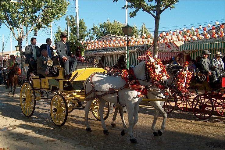 Carruajes (coches de caballos) Feria de abril, Sevilla (España)