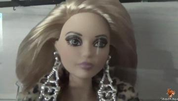 Barbie Andy Warhol Silver Label: ¡menos mal que es articulada!