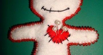 Broche voodoo love: los filtros de amor están anticuados