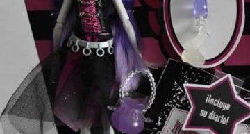 Tenemos chica nueva en… el Insti. Os presento a Spectra Vondergeist.