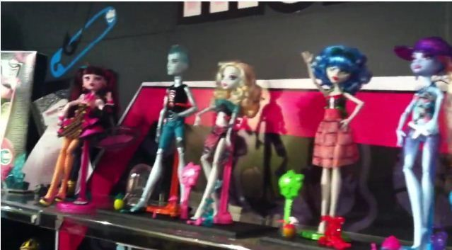 Monster High Gloom Beach Wave 3: Abbey Bominable, Lagoona Blue y Gil Webber