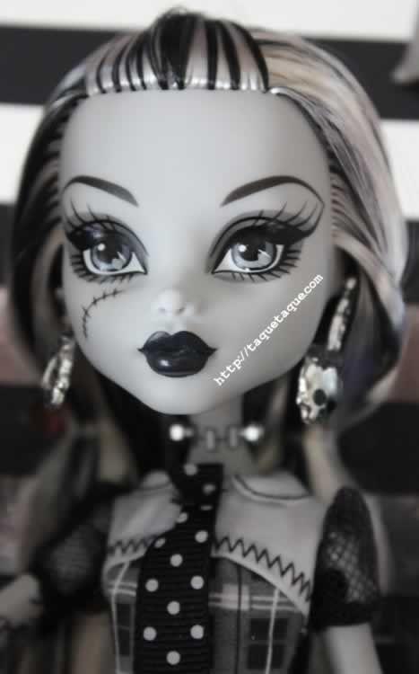 Frankie Stein B&W 2010 SDC, la muñeca más exclusiva de mi colección Monster High