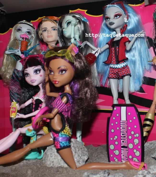 Mi colección Monster High: Ghoulia y otros chicos Gloom Beach y Lagoona Skull Shores