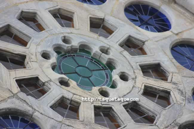 roseton iglesia romanica - Portomarin (Lugo)