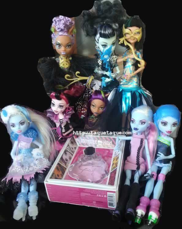 """Algunas de mis muñecas Monster High con la colonia Monster High que he ganado en el concurso de """"Monstruobloggeras"""""""